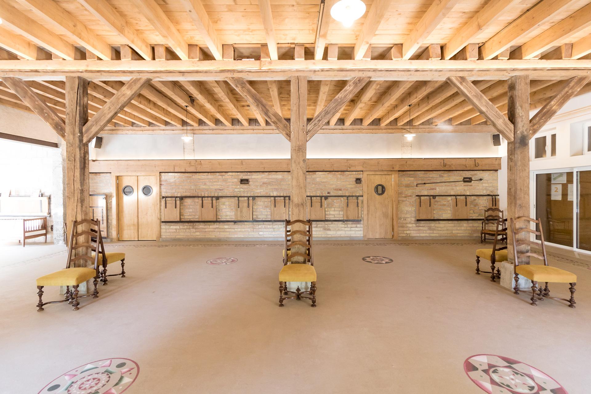 Grange transformation : Salle polyvalente