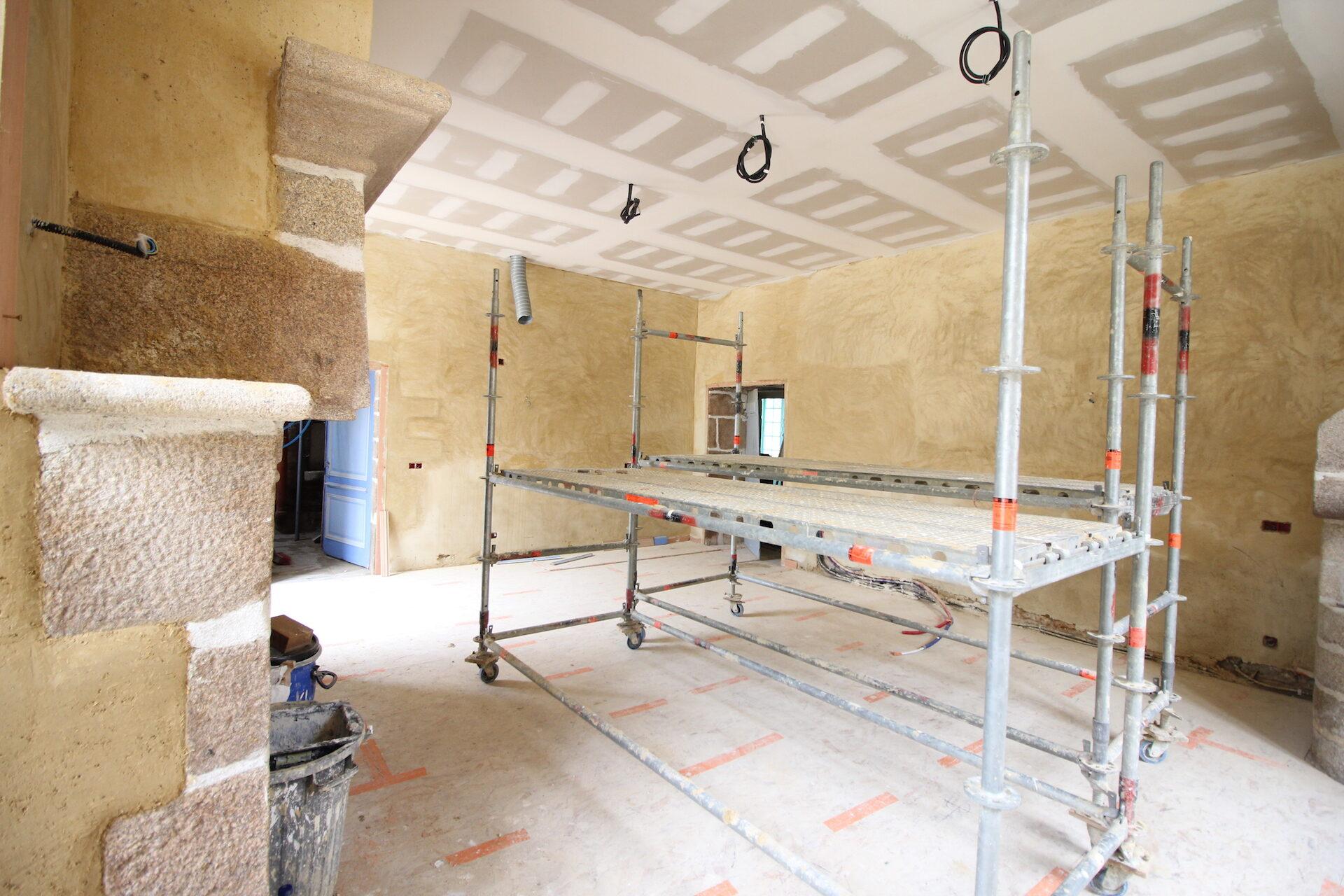 CSDK Lissage de murs en terre Bretagne 1 1920x1280 - Sustainable engagement - CSDK Lissage de murs en terre Bretagne 1 1920x1280