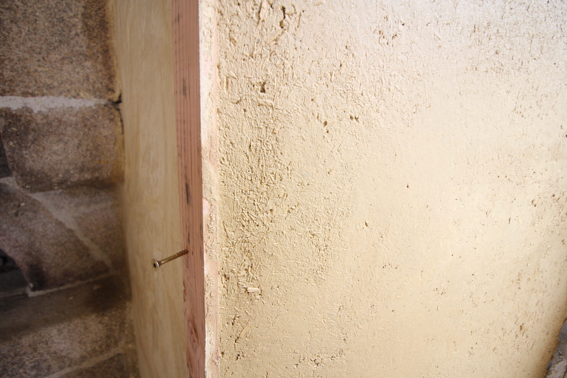 CSDK Lissage de murs en terre Bretagne 2 1920x1280 - Engagement durable - CSDK Lissage de murs en terre Bretagne 2 1920x1280