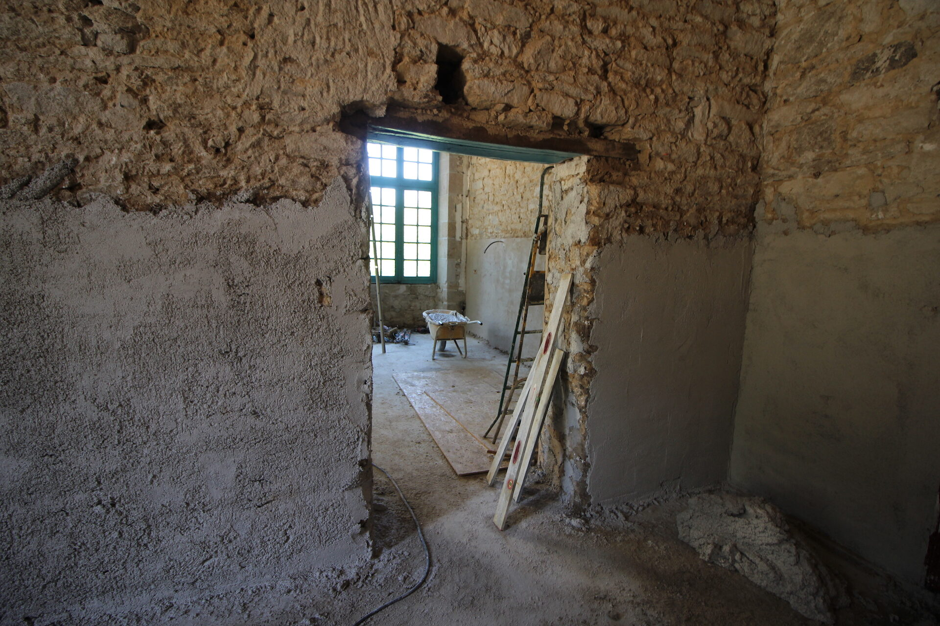 CSDK Lissage de murs en terre Bretagne 5 1920x1280 - Engagement durable - CSDK Lissage de murs en terre Bretagne 5 1920x1280