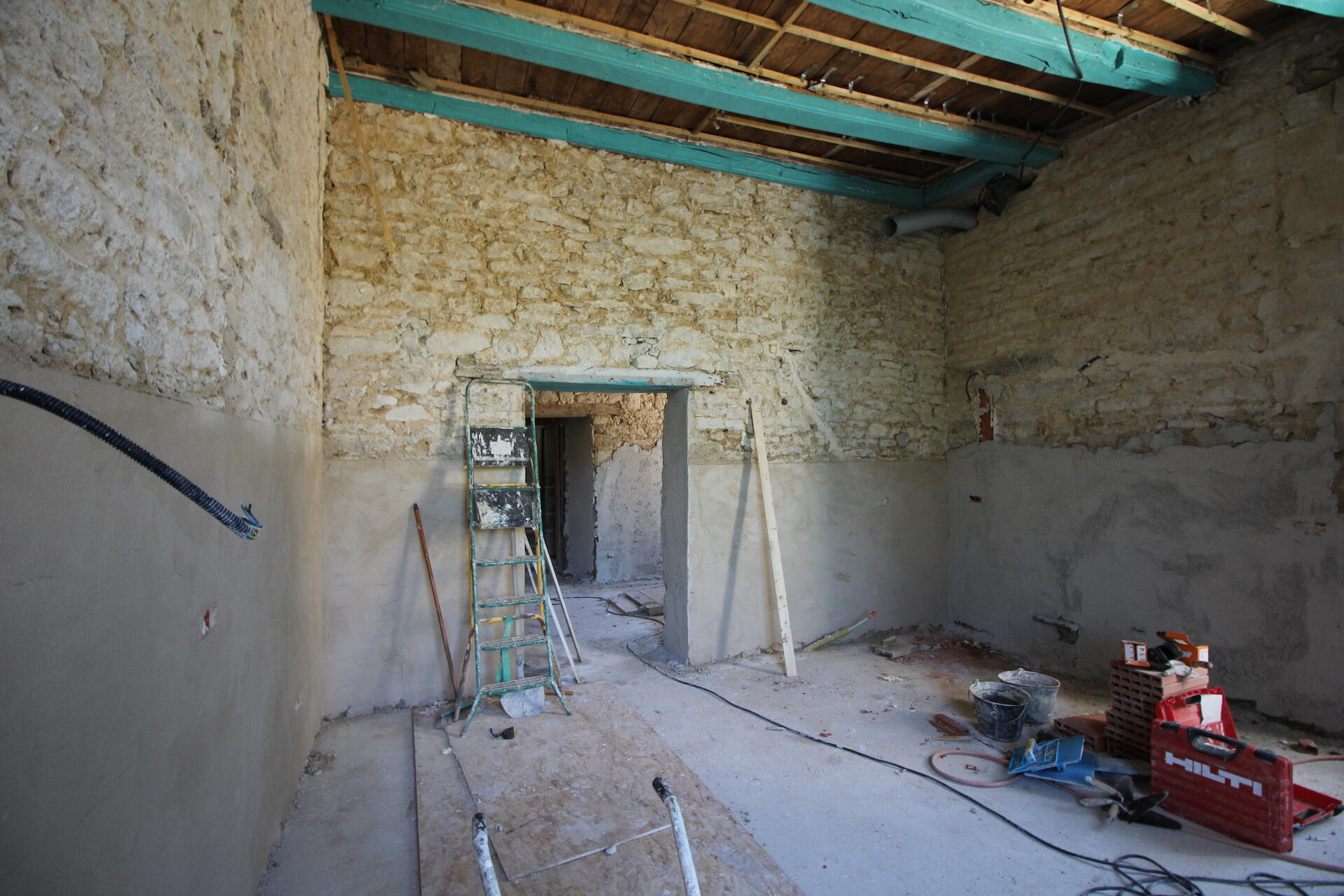 CSDK Lissage de murs en terre Bretagne 6 1920x1280 - Engagement durable - CSDK Lissage de murs en terre Bretagne 6 1920x1280